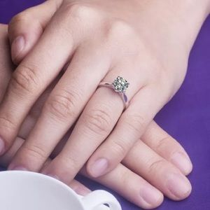 Princess Kylie 925 Sterling Silver Continuous Dashed Lines Ring